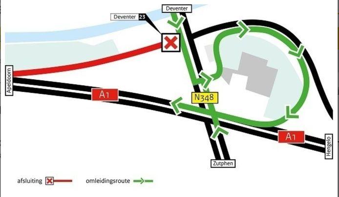 De bestaande oprit naar de A1 vanuit Deventer gaat dit weekeinde tijdelijk dicht. Verkeer vanuit Deventer moet nu linksaf om de snelweg richting Apeldoorn op te draaien.