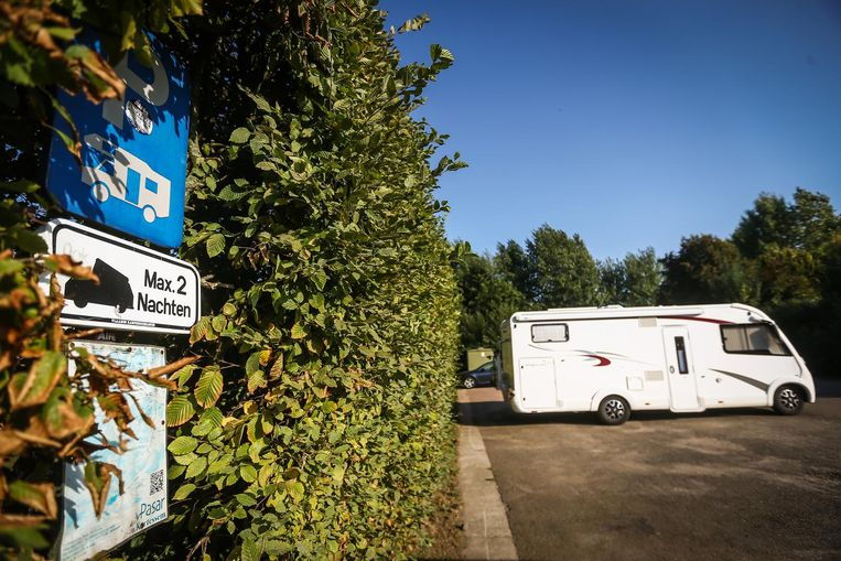 Dankzij een parkeerplaats voor mobilhomes en een bivakplaats voor paalkamperen kunnen toeristen de streek bezoeken.