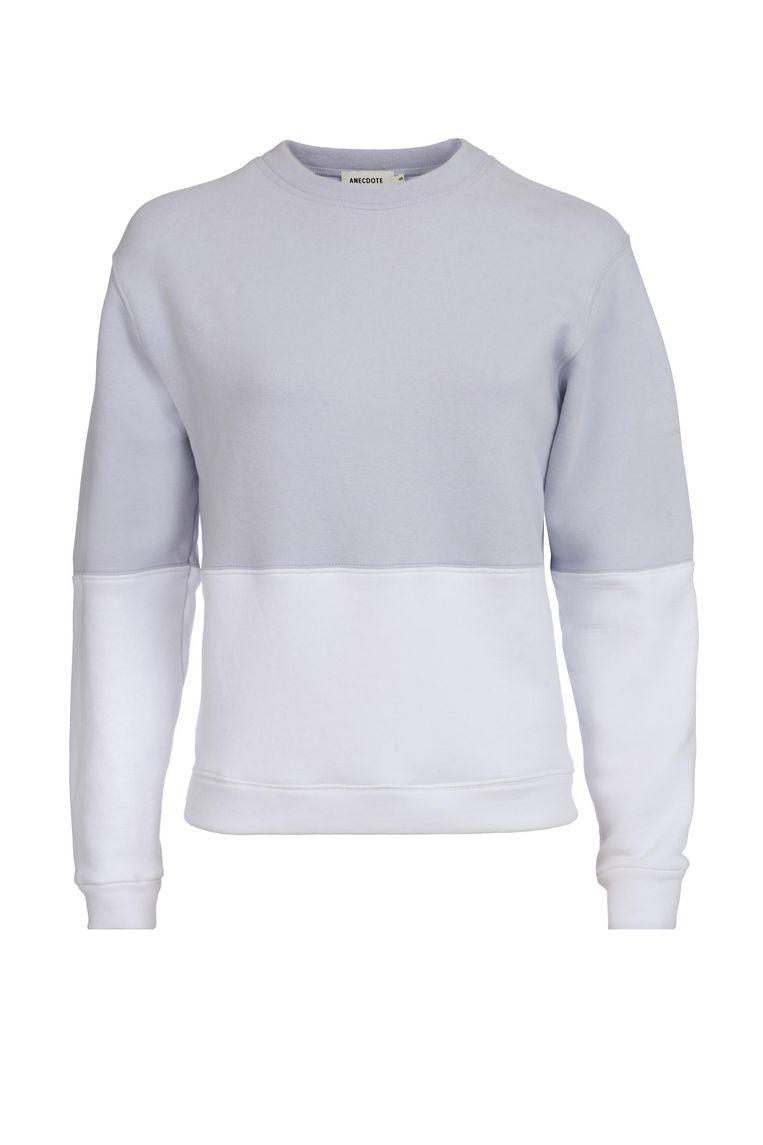Grijs-witte sweater van Anecdote € 135 anecdote.nl Beeld .