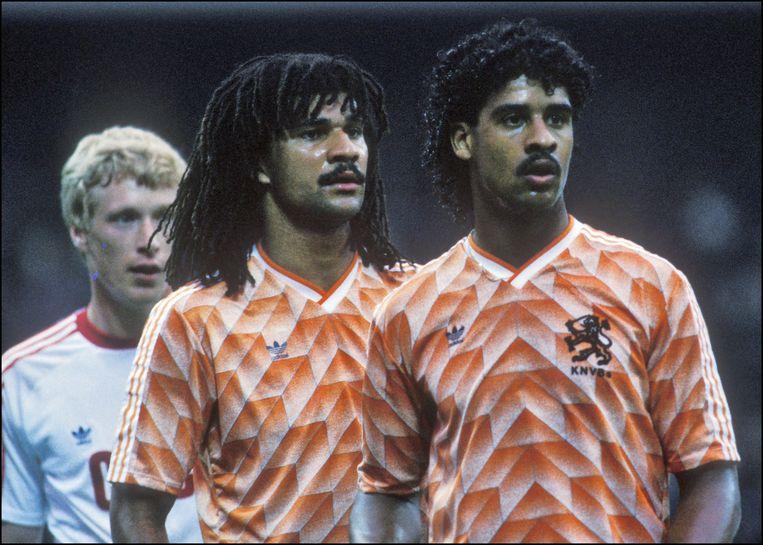 Ruud Gullit en Frank Rijkaard in de finale tegen de Sovjet-Unie, 1988. Beeld Hollandse Hoogte / Michael Kooren