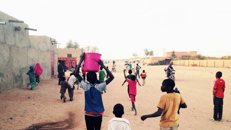 Agadez in Niger is een karavaanstad die al eeuwen bestaat van het vervoer. Het is er normaal om te smokkelen, aldus Vermeulen Beeld David Kleijwegt