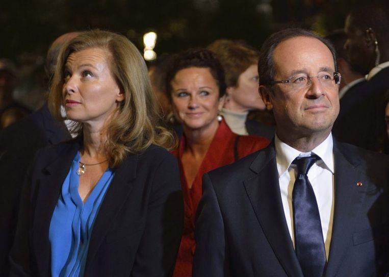 Francois Hollande en zijn ex-vriendin Valerie Trierweiler (L) Beeld reuters