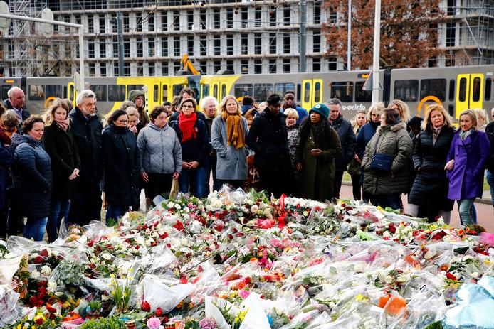 De herdenking van de aanslag in de tram op het 24 Oktoberplein in Utrecht.