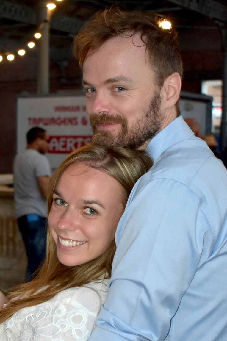 Jonne met zijn vriendin Laura. Beeld Dana Ploeger