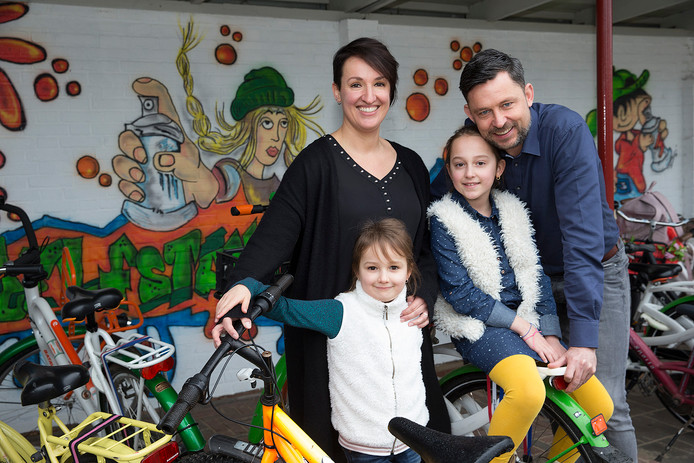 Het gezin Van Vemden-Versprille: Tamara, Marco, Lara en Tess