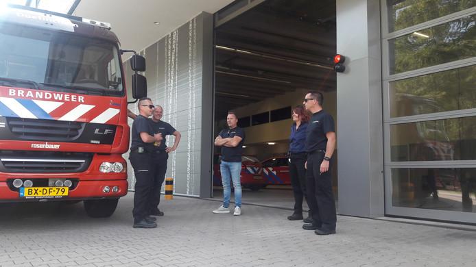 De brandweer in Doetinchem heeft extra medewerkers naar de kazerne geroepen wegens de storing.