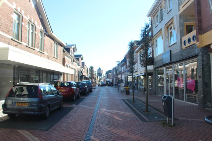 De Oudestraat wordt nu geplaagd door 33 procent winkelleegstand,  volgens de plannen voor verbetering van de straat. Dat percentage dreigt de komende jaren  te  groeien  tot 50 procent.