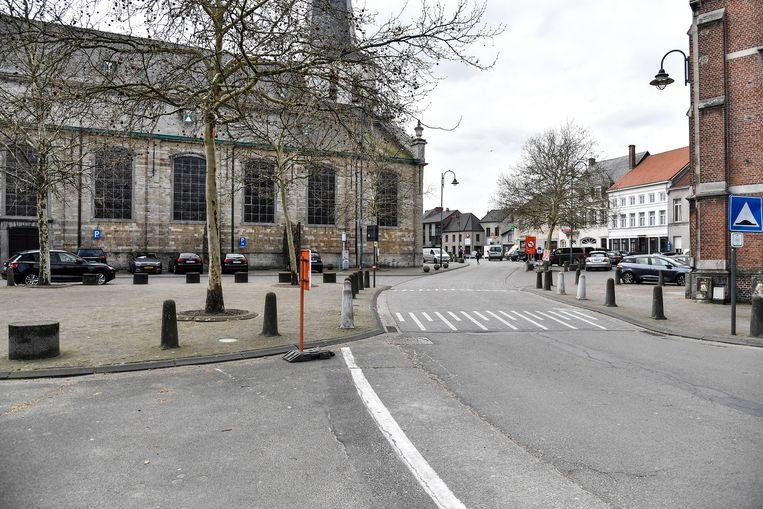 Onder meer het parkeren aan de kerk in Hamme zal meer gecontroleerd worden in de toekomst.