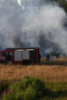 Brand bij natuurgebied in Enschede