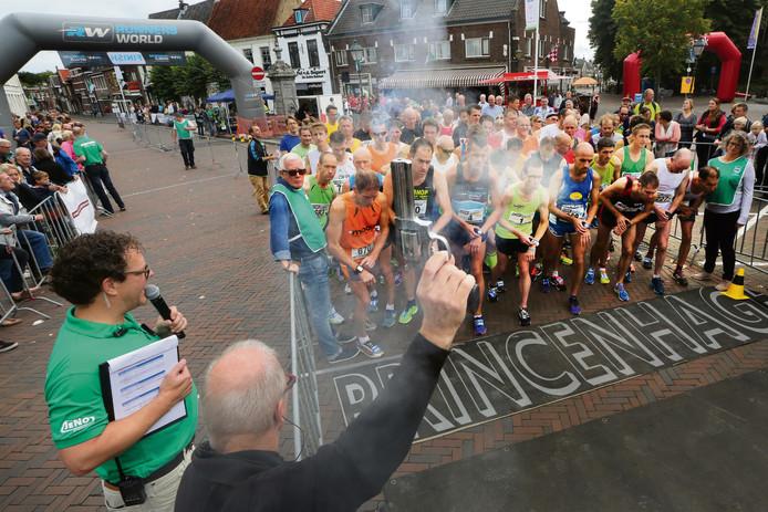 20150920 - Breda - Foto: Ramon Mangold/ Het Fotoburo - Tien van 't Aogje; start van de tien kilometer prestatieloop.