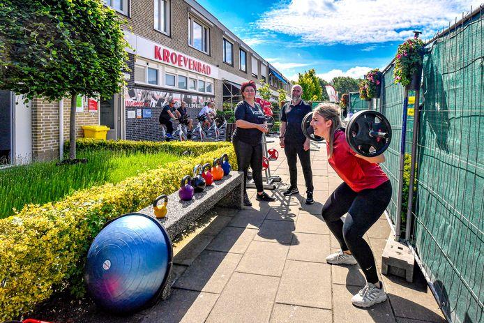 Corona in Roosendaal: buiten sporten bij Sportschool Kroevensport.