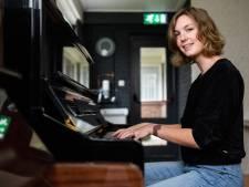 Missie van Merel uit Vierakker vindt steeds meer weerklank: 'Voor muziek maken ben je nooit te oud'