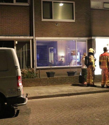 Man uit Diemen opgepakt voor gooien brandbom in Apeldoorn, politie verwacht meerdere aanhoudingen