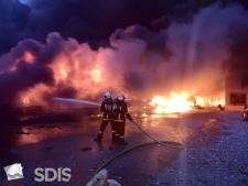"""""""Un immense chaudron qui brûle"""": le chef des pompiers raconte l'incendie à Rouen"""