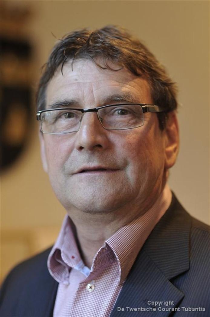Voorzitter Tonny Busscher van de voorbereidingscommissie is blij met de grote belangstelling voor de functie van burgemeester van Tubbergen.