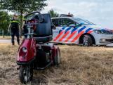 Alerte voorbijganger redt man (94) met scootmobiel uit het water in Made