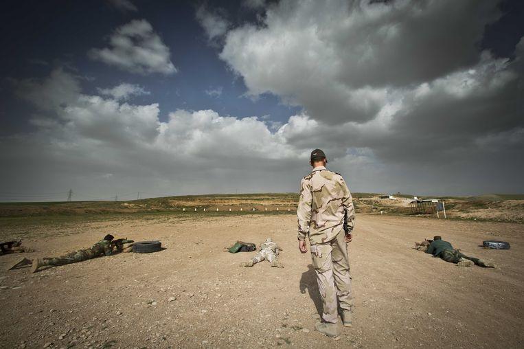 Een Nederlandse trainer in Erbil, Irak. Beeld anp