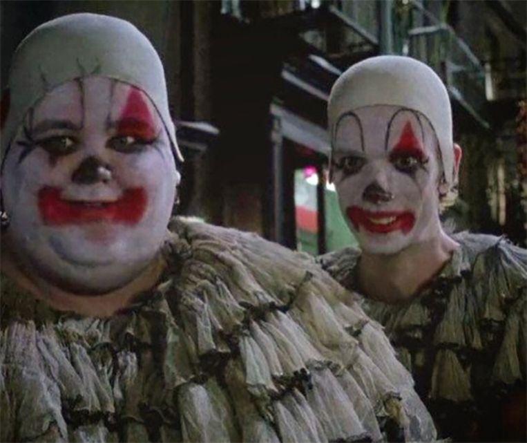 Doug Jones (rechts) in 'Batman Returns'