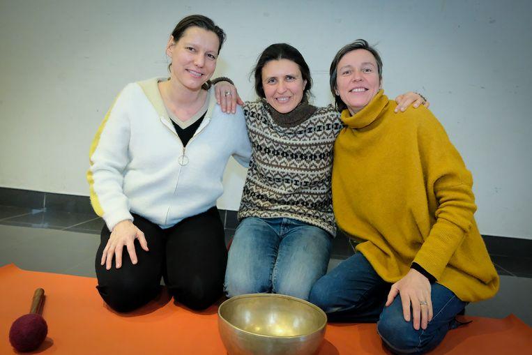 Yogadag - de drie lesgeefsters van de dag: vlnr Marleen Maldeghem, Ilse Simoens en Reinhilde Terryn