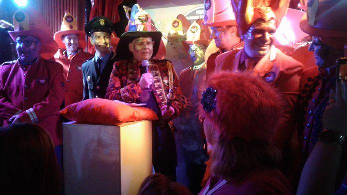 Ronnie van der Pluijm gaat met carnaval in Den Haaykant als Prins Pluimke d'n Blusser door het leven.