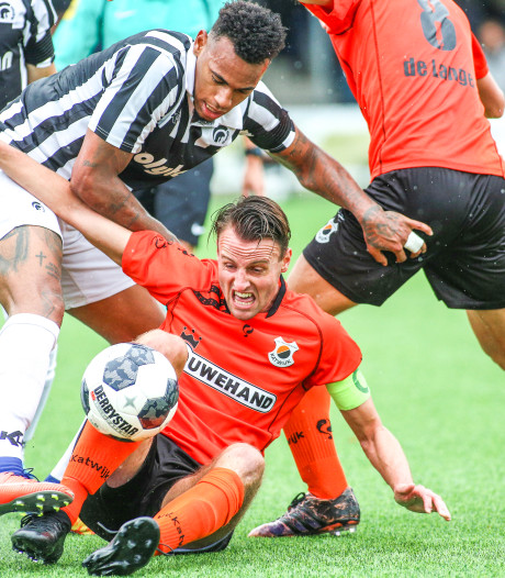 Spelers Achilles voetballen weer na staking