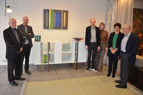 Rik Annerel en Hans De Pelsmacker stellen hun werk samen tentoon in meubelzaak Sublim in de Kerkstraat.