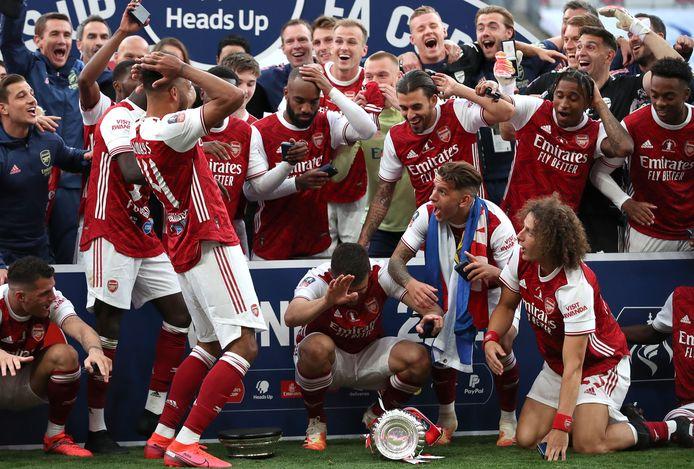 De FA Cup viel al uit elkaar voordat Pierre-Emerick Aubameyang de prijs in de lucht wilde steken, tot ongeloof van zijn teamgenoten.