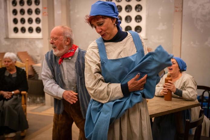 'De Baron' van Toneelgroep Hemmen is een komedie in drie bedrijven.