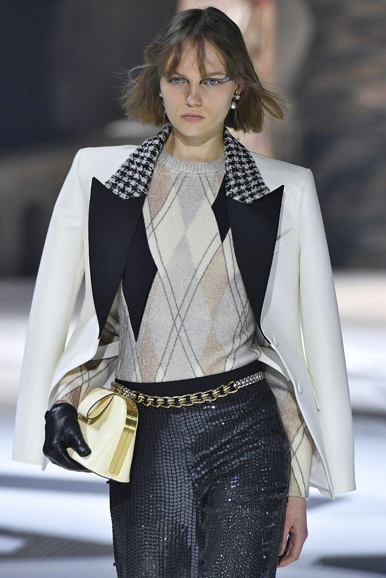 De chain belt gespot bij de herfst-wintercollectie 2018 van Louis Vuitton tijdens Paris Fashion Week.