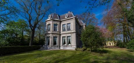 Als je niet in je eentje een monumentale villa kan kopen, neem je toch een deel? In Tilburg ligt die kans er