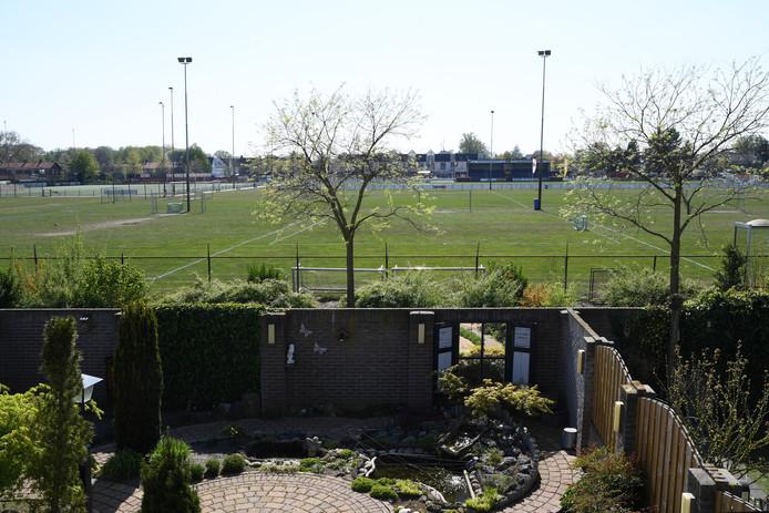 Er is onderzoek gedaan naar de toekomst van de sportvelden in de gemeente Dongen. Sportpark De Biezen gezien vanuit de Le Corbusierstraat.