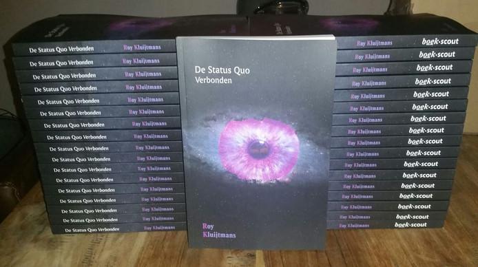 De eerste exemplaren van het boek.
