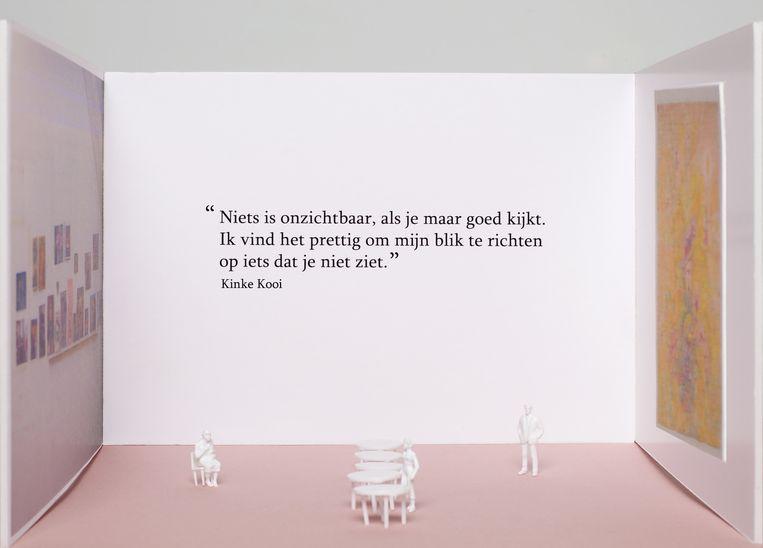 Hanne Hagenaars over de opstelling met werk van Kinke Kooi: 'Al schrijvende lukt het beter geconcentreerd naar het werk te kijken.' Beeld null