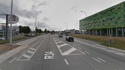 West-Vlaamse (23) kritiek na sprong uit rijdende auto