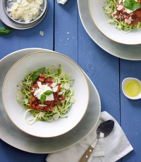 Wat Eten We Vandaag: Courgetti bolognese met burrata