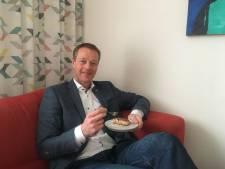 Taart eten bij jarige CDA-lijsttrekker in Zwolle