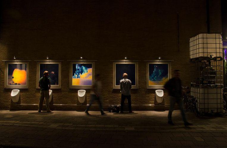 Plassen én kunst bekijken: efficiëntie galore. Beeld Liz Kunst