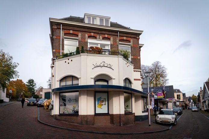 Het karakteristieke pand van Van Rijn aan de Weverstraat in Oosterbeek.