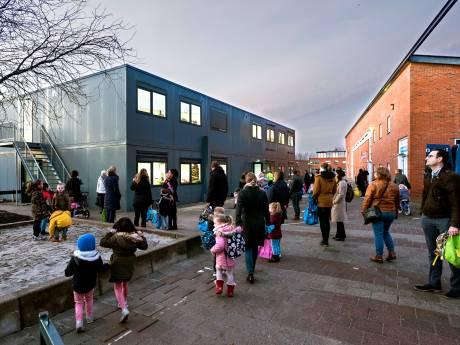 Ouders, kleuters en leerkrachten van Margrietschool: 'eigenlijk best mooi, zo'n tijdelijk schoolgebouw'