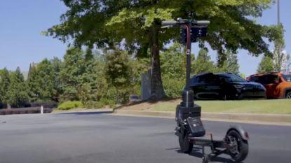 Autonome deelsteps rijden zelf naar klant