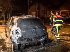 Auto in brand in Gilze, politie onderzoekt mogelijke brandstichting