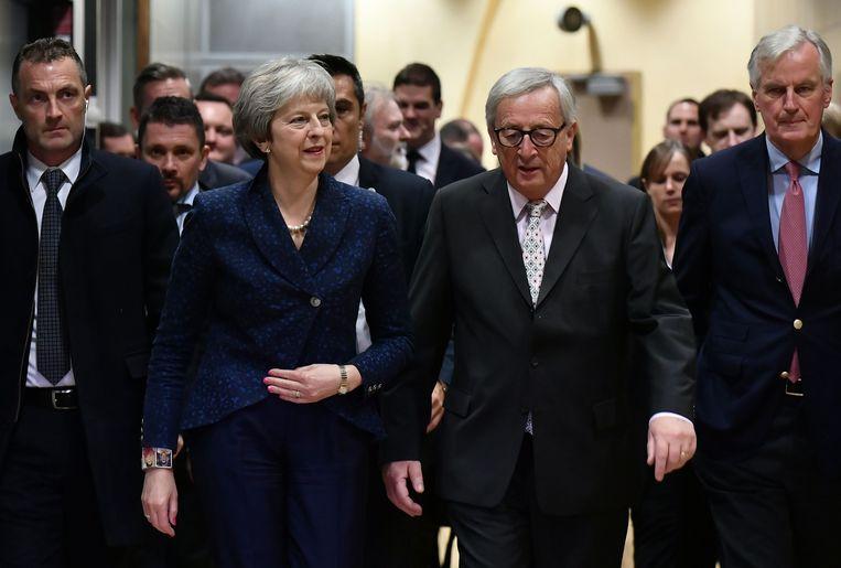 May en Europees Commissievoorzitter Jean-Claude Juncker.