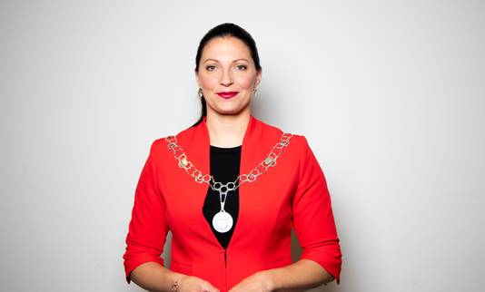 Hanne van Aart, burgemeester Loon op Zand.