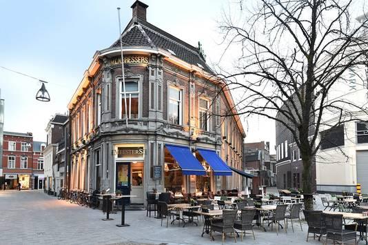 Na 1,2 miljoen euro binnen te hebben gehaald via crowdfunding is café Meesters weer klaar voor de toekomst.