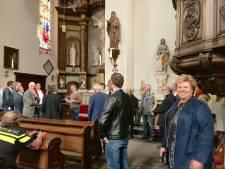 'Levensgevaarlijke' kerk Ravenstein veilig genoeg voor burgemeester en wethouders; D66 stelt vragen