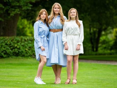 Prinsessen Amalia en Alexia vanavond pas terug uit Griekenland: 'Niet genoeg tickets voor hele gezin'
