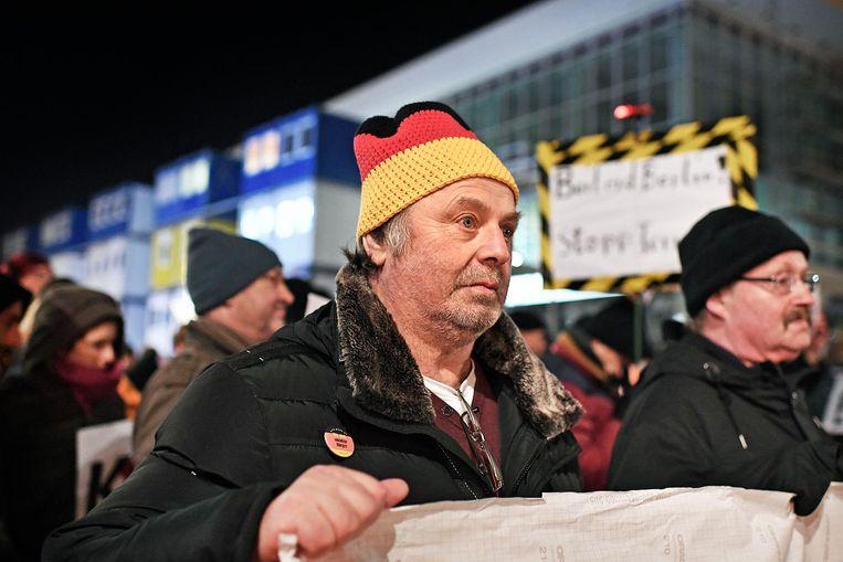 Demonstranten in het oude centrum van Dresden Beeld Guus Dubbelman