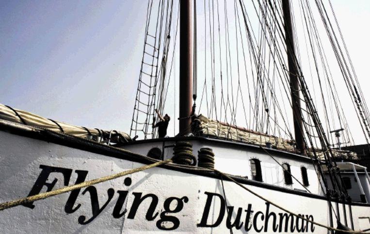De luxe tweemaster van schipper Klaas van Twillert kan straks de wateren ten oosten van Denemarken niet meer op. ( FOTO PATRICK POST) Beeld Patrick Post