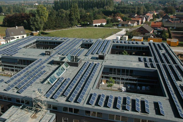 Er komen zonnepanelen op de daken van vier rusthuizen.
