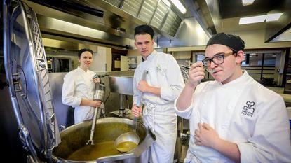 Topchefs maken soep voor goed doel